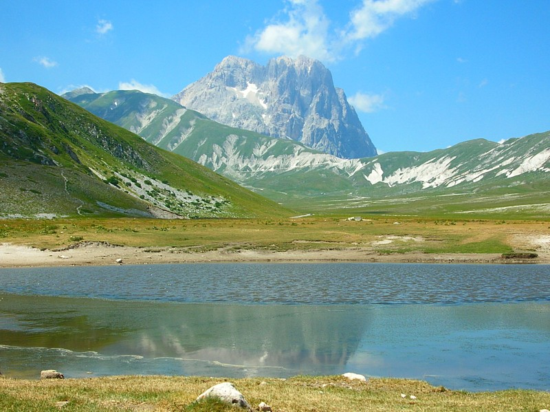 Parco Nazionale del Gran Sasso, with the Corno Grande, highest non-Alpine peak in Italy, in the background. Credit: Roteldav // Wikipedia